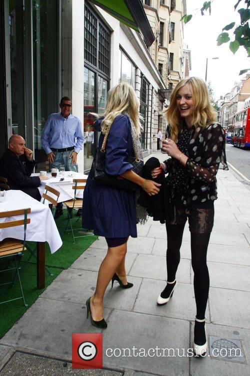 Fearne Cotton and Holly Willoughby visit a deli...