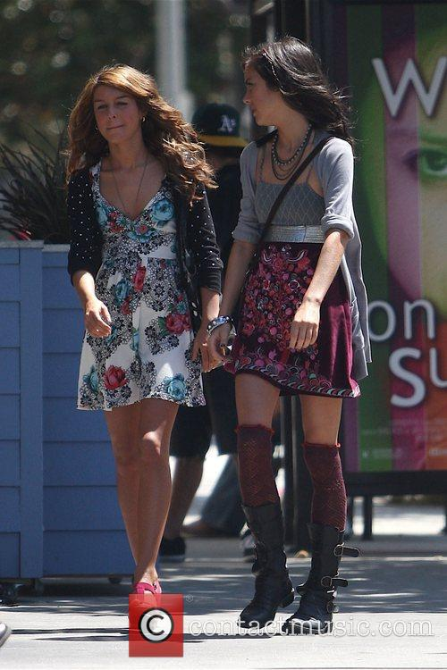 Shenae Grimes and Beverly Hills 90210 6