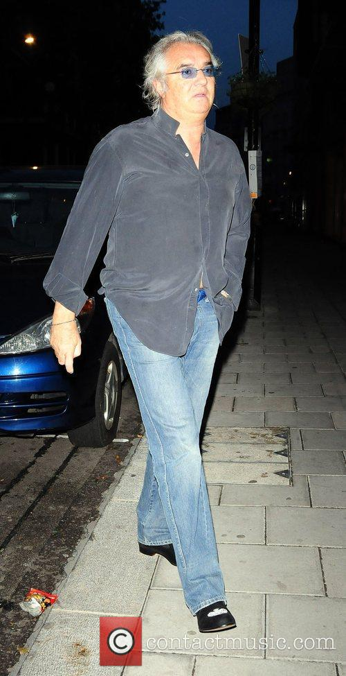 Arrives at Cipriani restaurant on his own