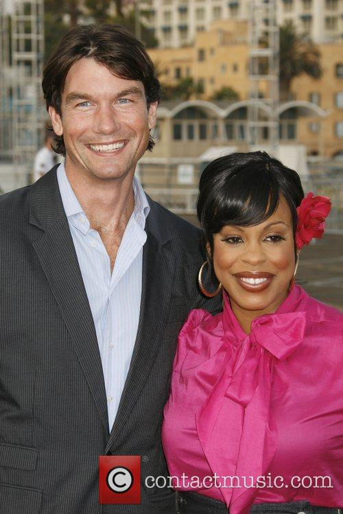 Jerry O'Connell and Niecy Nash 10