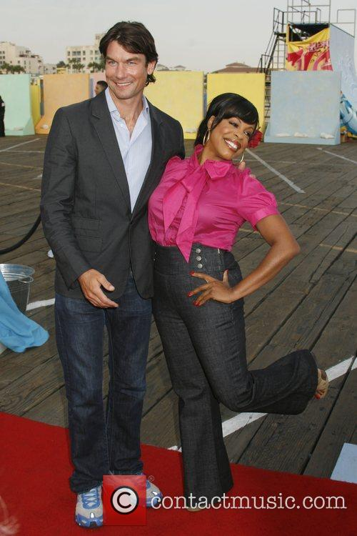 Jerry O'connell and Niecy Nash 1
