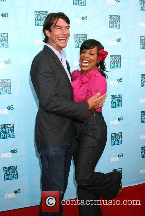 Jerry O'connell and Niecy Nash 6