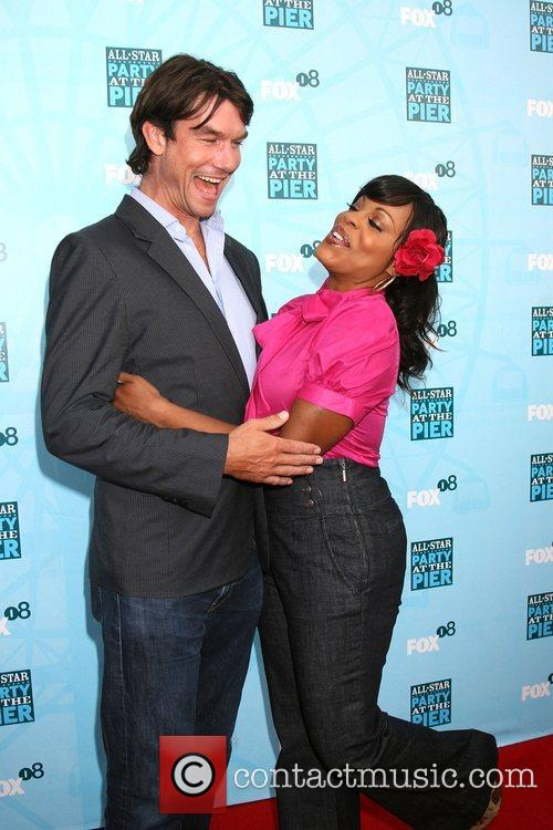 Jerry O'connell and Niecy Nash 5