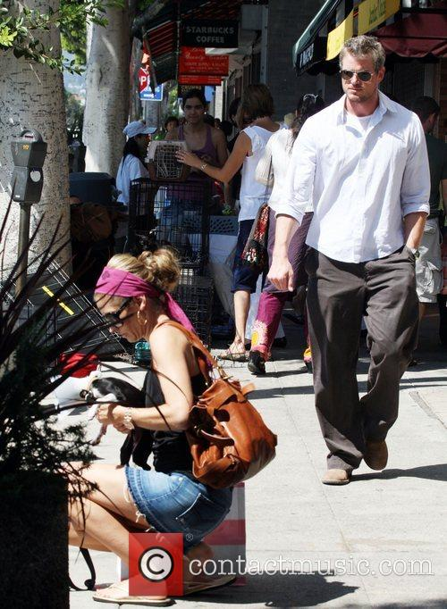 Eric Dane and Rebecca Gayheart Adopting An Injured Puppy In While Shopping In Los Angeles 5