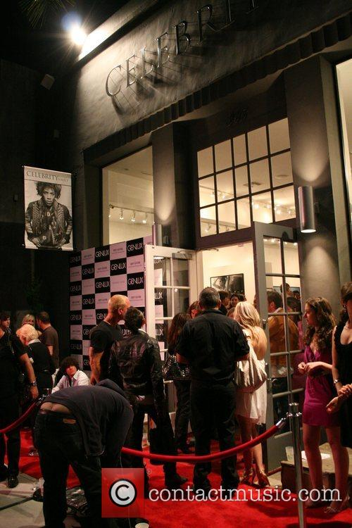 Atmosphere Genlux magazine introduces: 'An evening with artist...