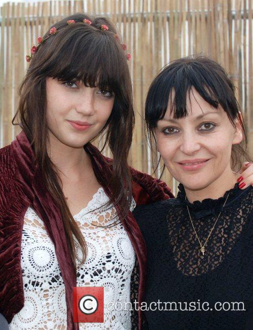 Daisy Lowe and her mother Pearl Lowe Get...