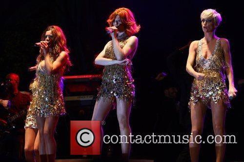Cheryl Cole, Girls Aloud and Nicola Roberts 1
