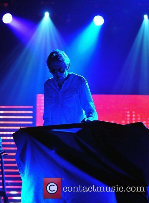 Groove Arrmada 5