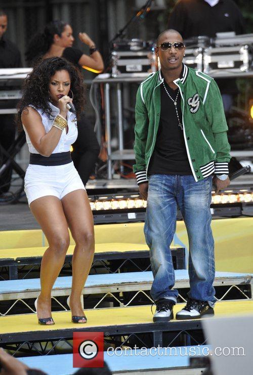 Ashanti, Ja Rule and Bryant Park 6