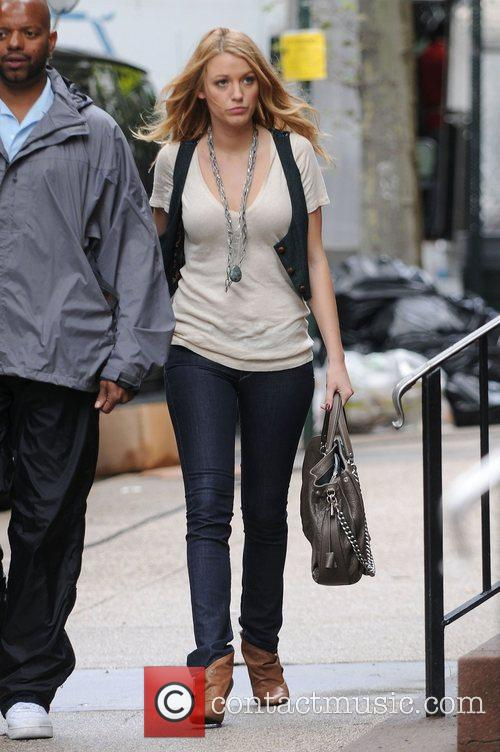 Blake Lively Stars of 'Gossip Girl' filming in...