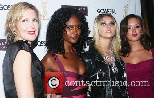 Kelly Rutherford, Nicole Fiscella, Taylor Momsen and Leighton...