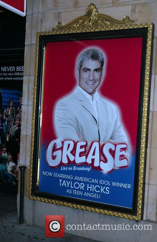 Taylor Hicks from Amercian Idol takes his curtain...