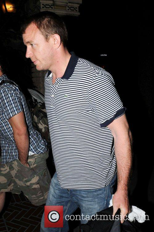Guy Ritchie  returns to Madonna's Manhattan apartment...