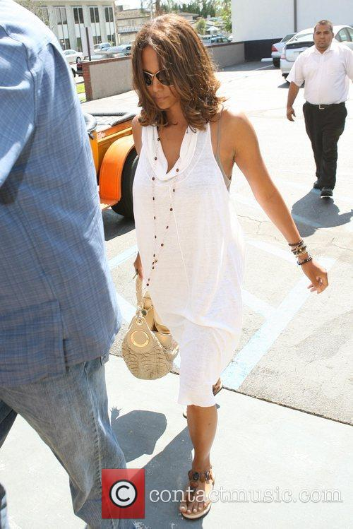 Halle Berry  enters a dentist's office Los...