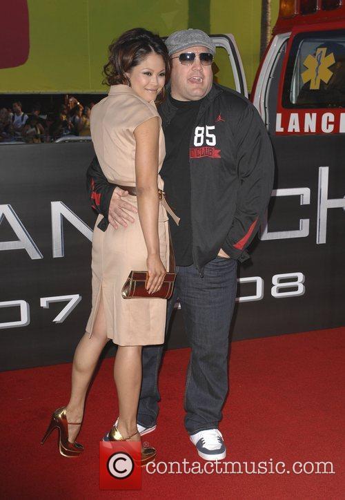 Kevin James and his wife Steffiana De La...
