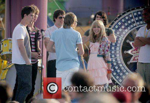 Miley Cyrus on the film set of 'Hannah...