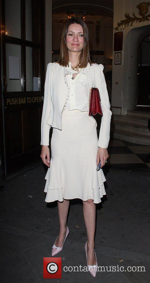guest leaving the press night for the stage...