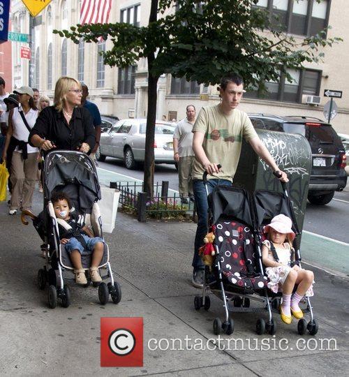 The family of Heidi Klum take a walk...