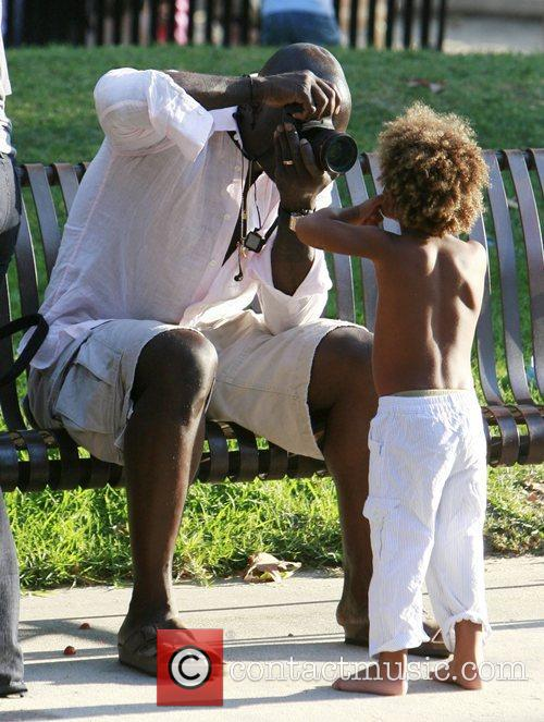 Heidi klum and Seal enjoying a day out...