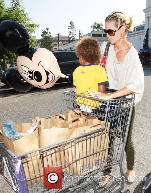 Heidi Klum and Mickey Mouse 8