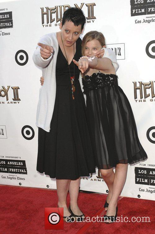 Lori Petty and Chloe Grace Moretz 8