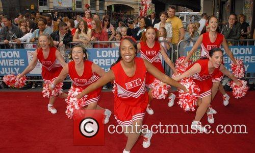Atmosphere,  Arrivals at the 'High School Musical'...