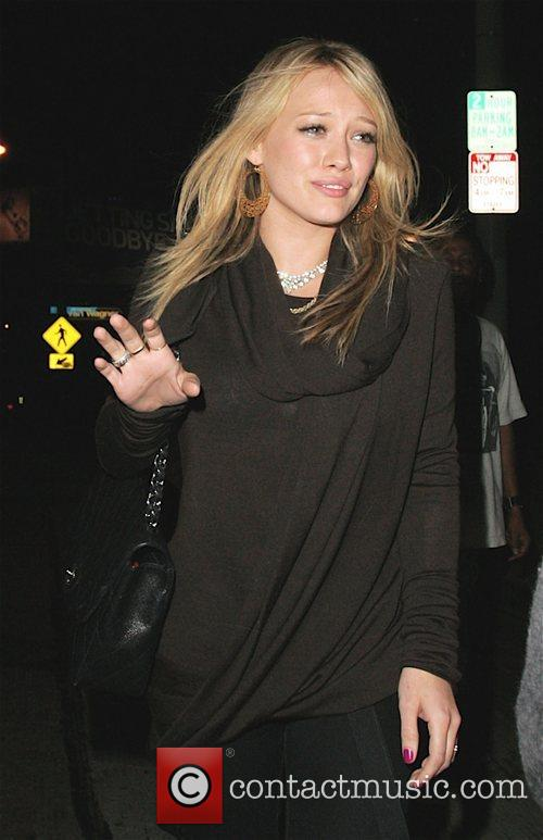 Hilary Duff leaving Il Sole wearing a ring...