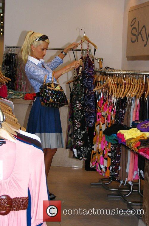 Holly Madison 'The Girls Next Door' star shopping...
