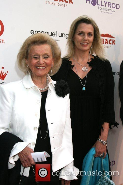 Barbara Davis, Nancy Davis