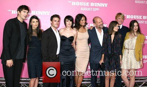 Ashton Kutcher, Demi Moore, Guest, Rumer Willis, Emma...