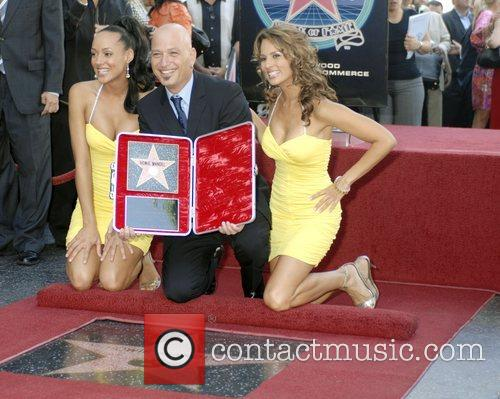 Howie Mandel and Deal or No Deal Girls...