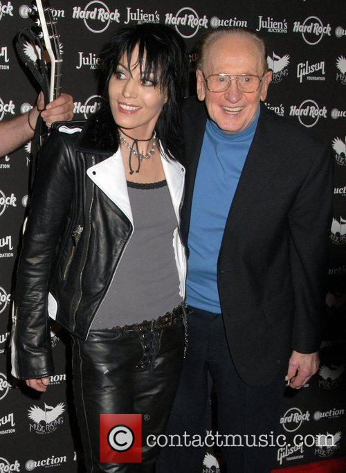 Joan Jett and Les Paul 7