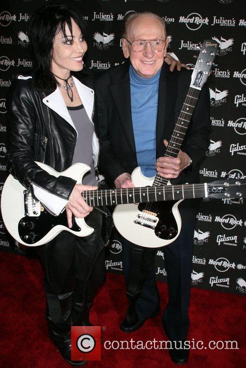 Joan Jett and Les Paul 13