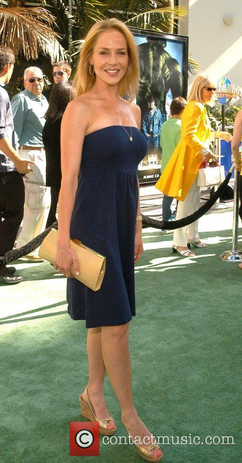Julie Benz, Incredible Hulk and Gibson Amphitheatre 1