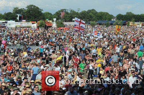 The 2008 Isle of Wight music festival -...