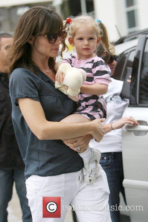 Jennifer Garner and Her Daughter Violet Affleck 7