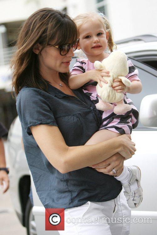 Jennifer Garner and Her Daughter Violet Affleck 11