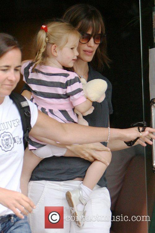 Jennifer Garner and Her Daughter Violet Affleck 9