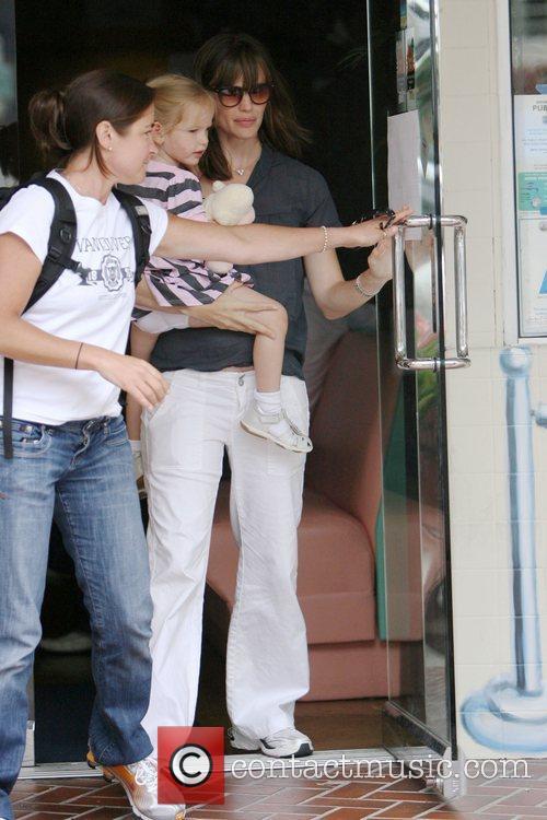 Jennifer Garner and Her Daughter Violet Affleck 4
