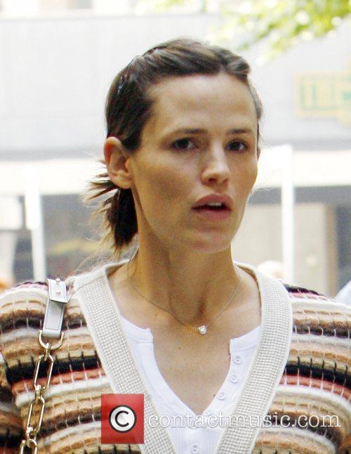 Jennifer Garner visiting a Medical Centre in Los...