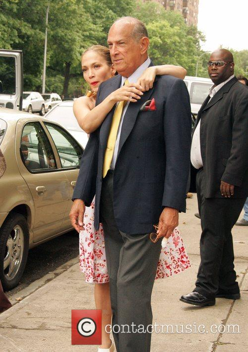 Jennifer Lopez and Oscar de la Renta on...