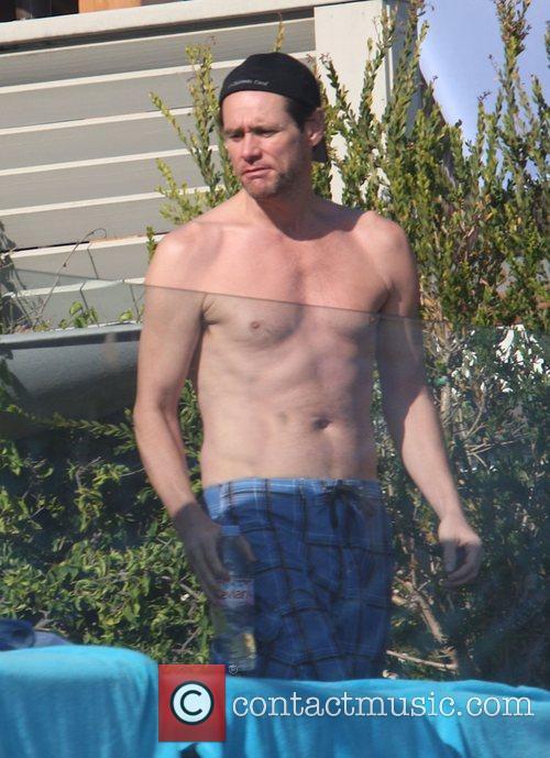 Jim Carrey - Jim Carrey sunbathing at his beach house in Malibu  6 Pictures ...