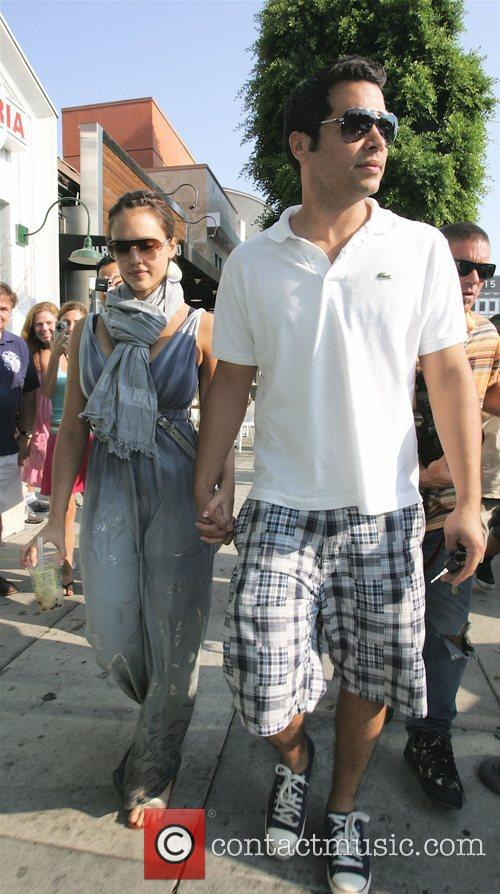 Jessica Alba and Husband Cash Warren 7