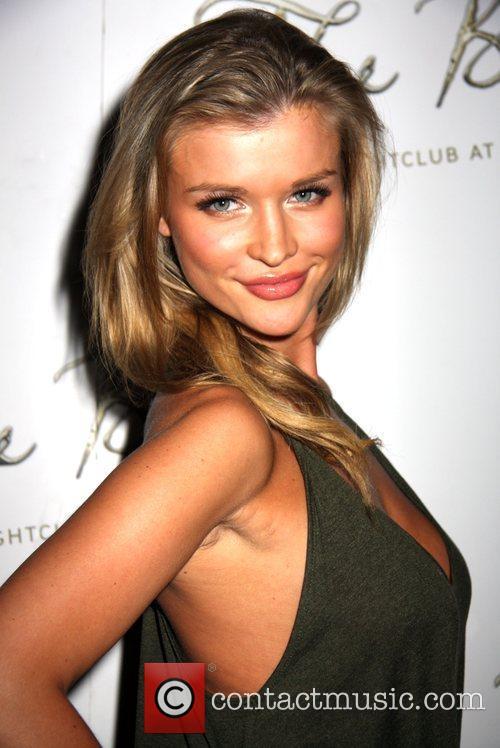 Joanna Krupa hosts Sunday Night's Party at The...