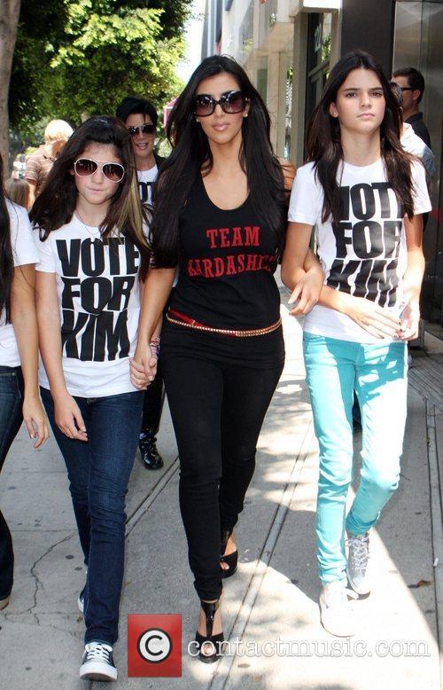 Kylie Jenner and Kim Kardashian 1