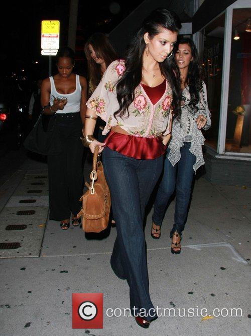 Kim Kardashian and Kourtney Kardashian 9