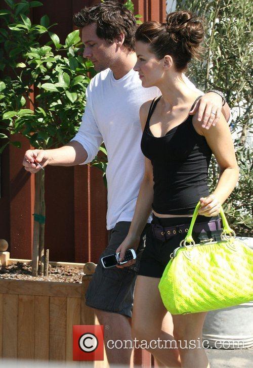 Kate Beckinsale and husband Len Wiseman get lunch...