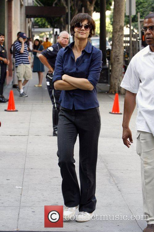 Returns to the film set of ABC's 'Eli...