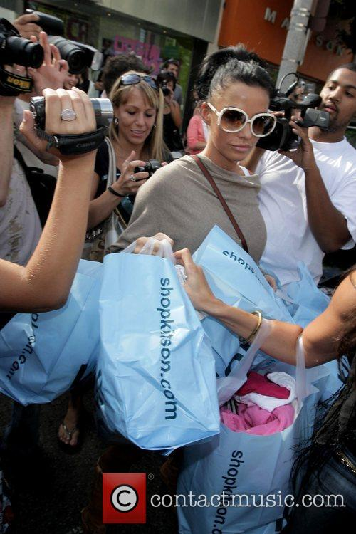 katie price (aka jordan) goes shopping at kitson boutique on robertson blvd a day after being released from the hospital following cosmetic surgery 5174580
