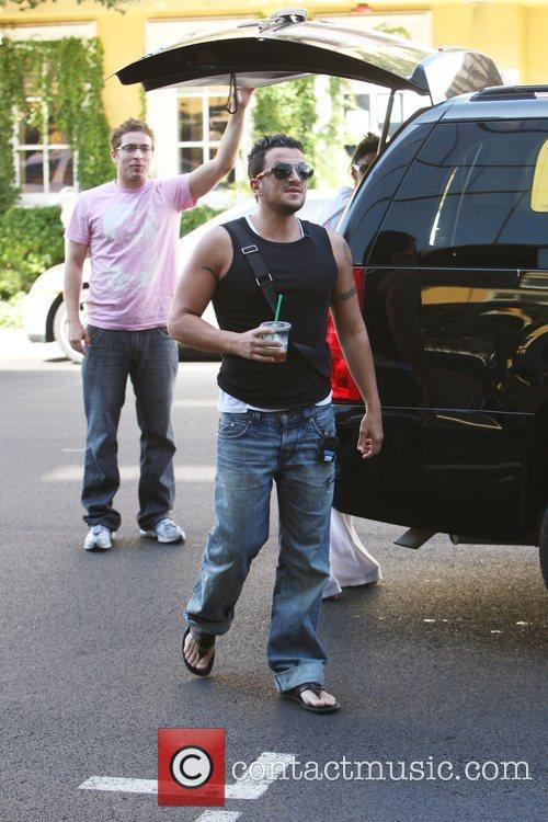 Peter Andre arriving at The S&B Surgery Center...